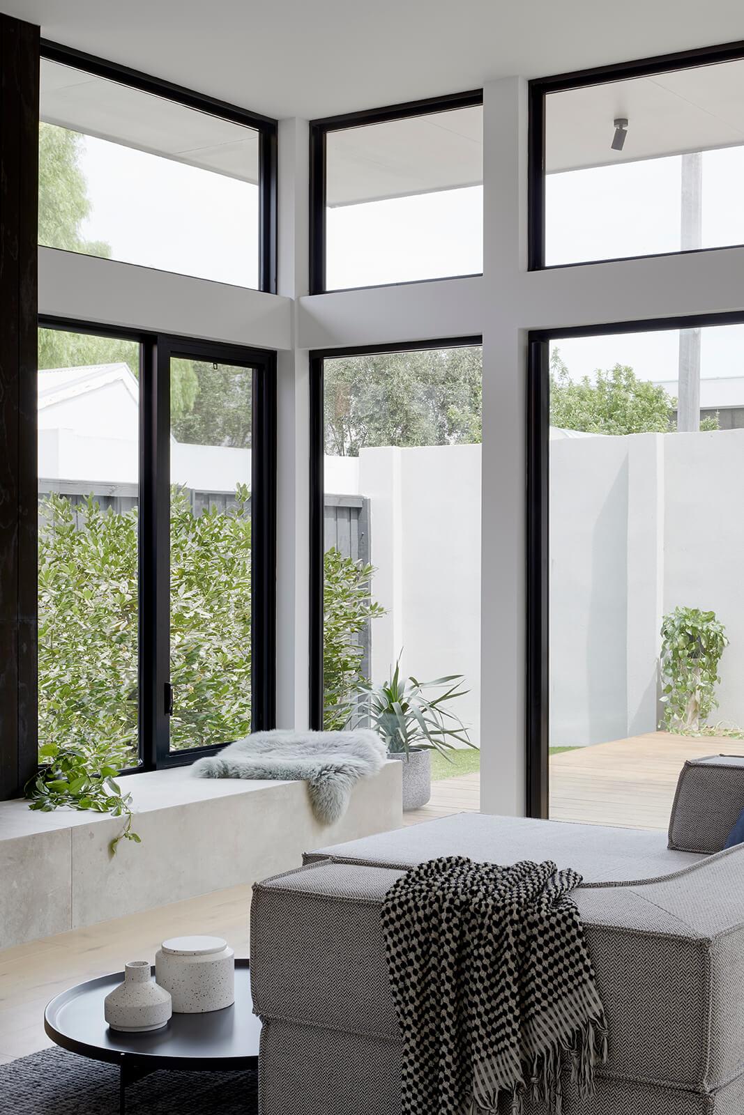 Elwood Duplex by de.arch